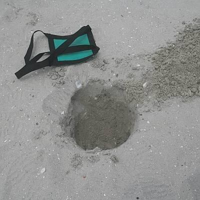 Sand Anchor - Dig a hole