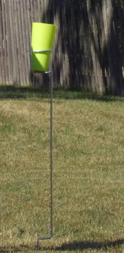 Backyard Butler Outdoor Cup Holder 82702