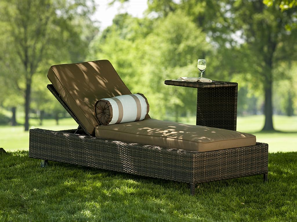Nevis all weather resin wicker chaise lounge 1211 - Chaises longues de jardin ...