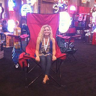 Oversized Kingpin Folding Chair