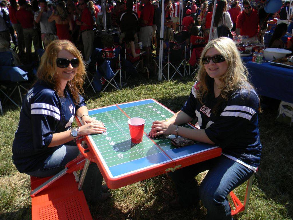 Very Best Football Folding Picnic Table w/ Seats 1024 x 768 · 194 kB · jpeg