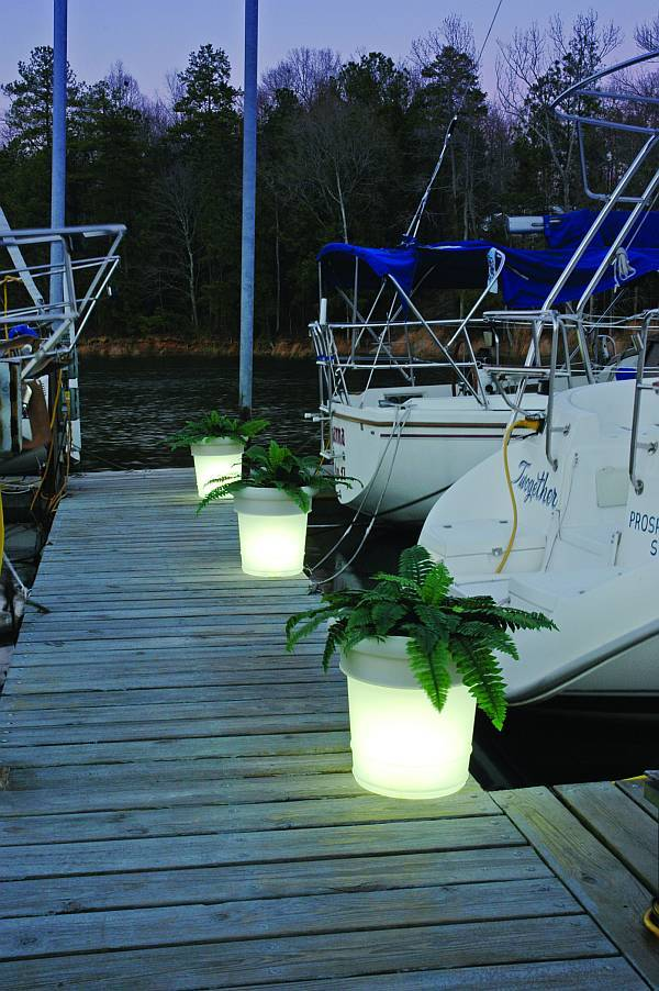 Gardenglo Solar Lighted Planters 0087