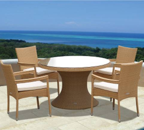 Helena 60 Inch Wicker Table With Stackable Chairs He60w