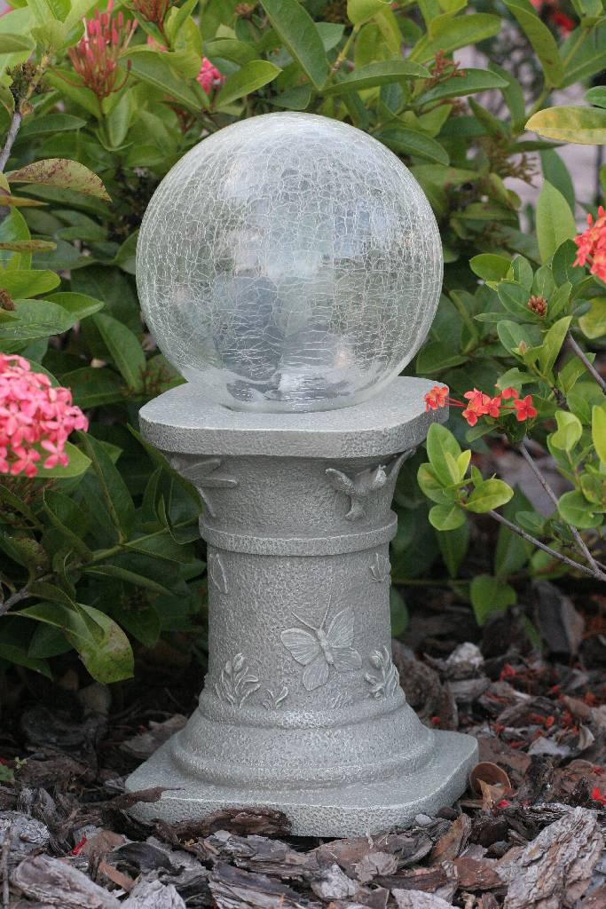 Solar Chameleon Gazing Ball Amp Pedestal With Crackled Glass