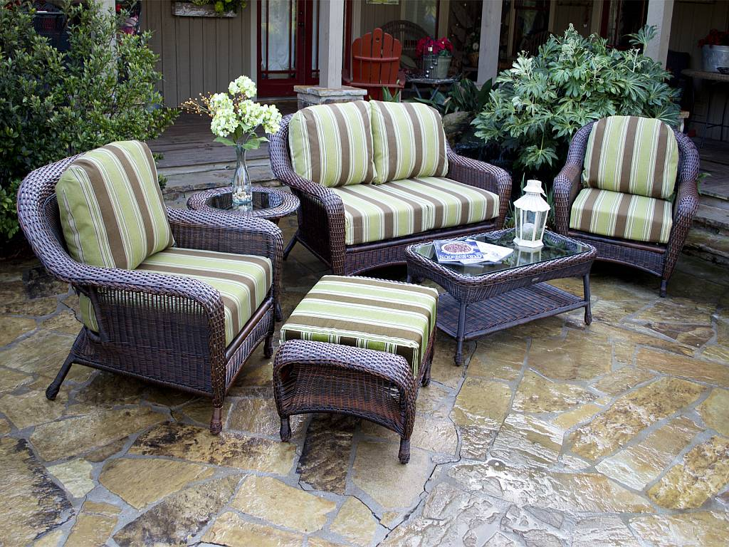 Tortuga 5 pc lexington resin wicker patio set fn21500 for Outdoor porch furniture