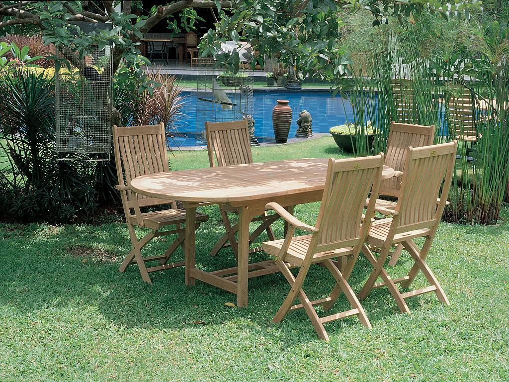 Outdoor wood furniture - Spring
